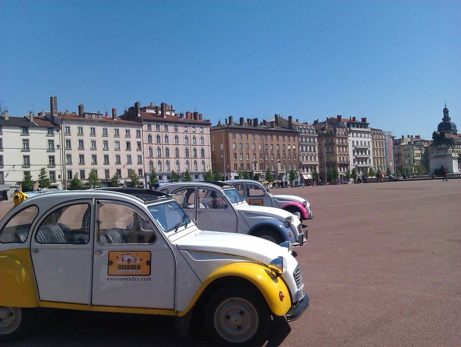 Location 2CV Lyon
