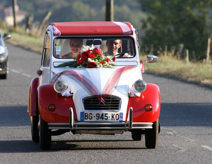 location 2cv mariage lyon mariage en 2cv lyon noce en 2cv. Black Bedroom Furniture Sets. Home Design Ideas