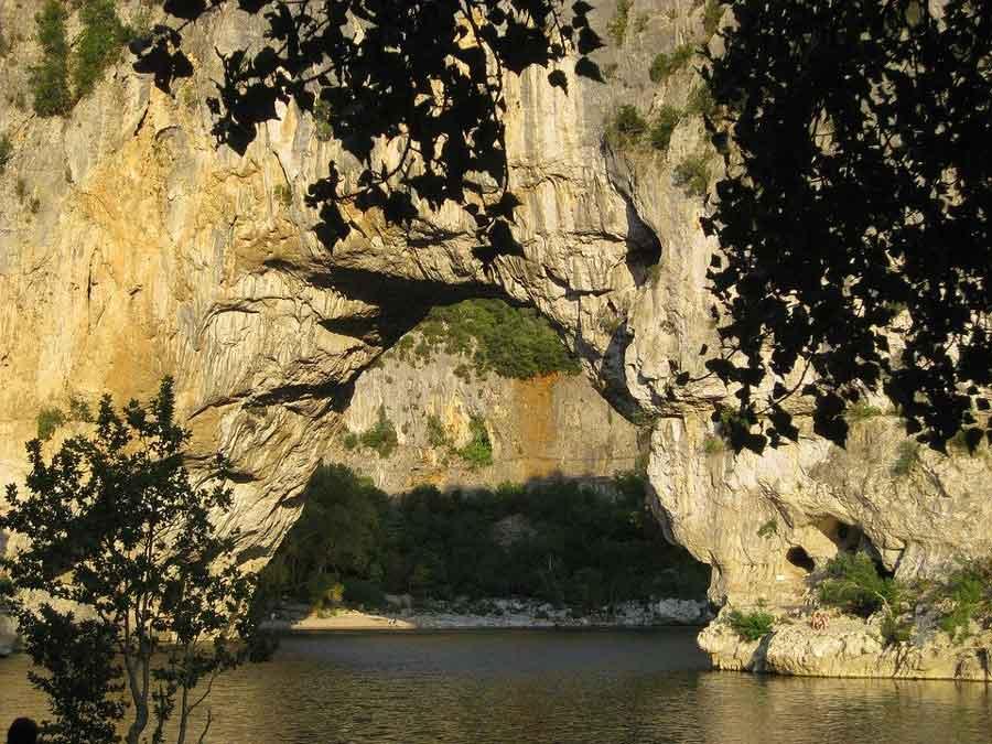 activité séminaire en Ardèche pont d'arc